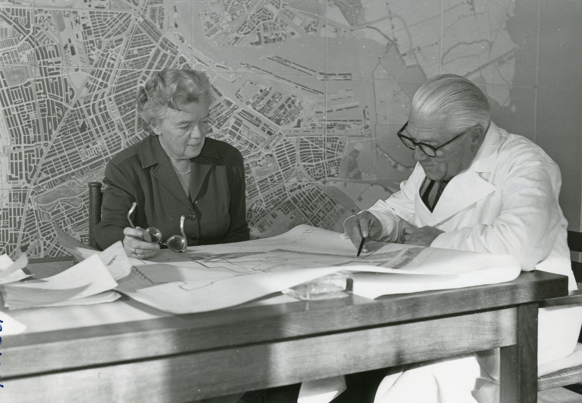 Afbeeldingsresultaat voor een betere stad 1958 amsterdam